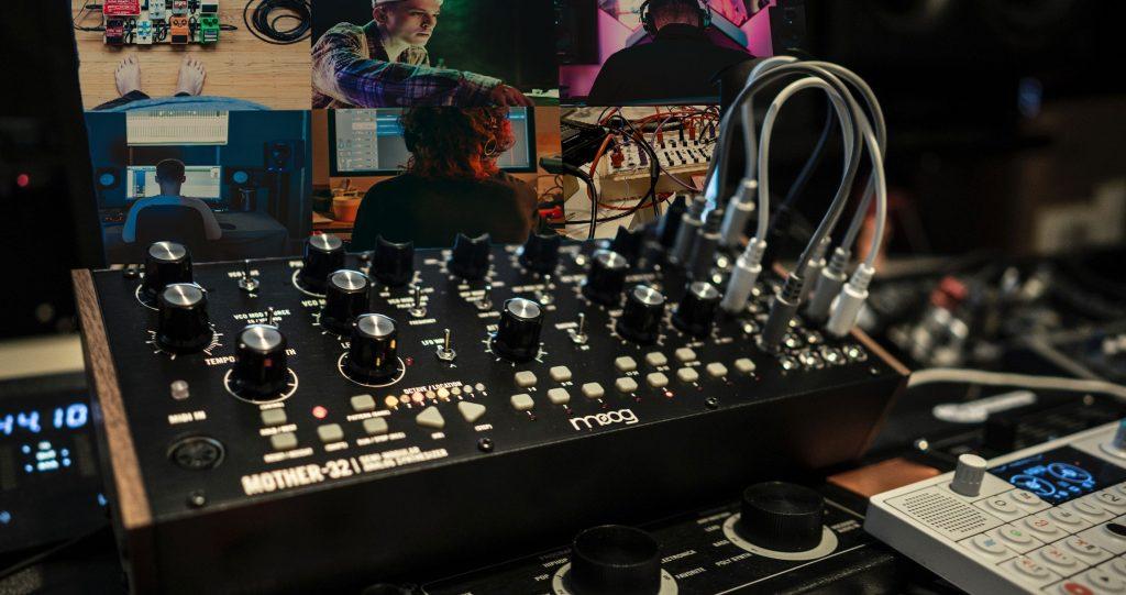Cómo realizar performances online simultáneas, audio + vídeo + MIDI en vivo y sin latencia.