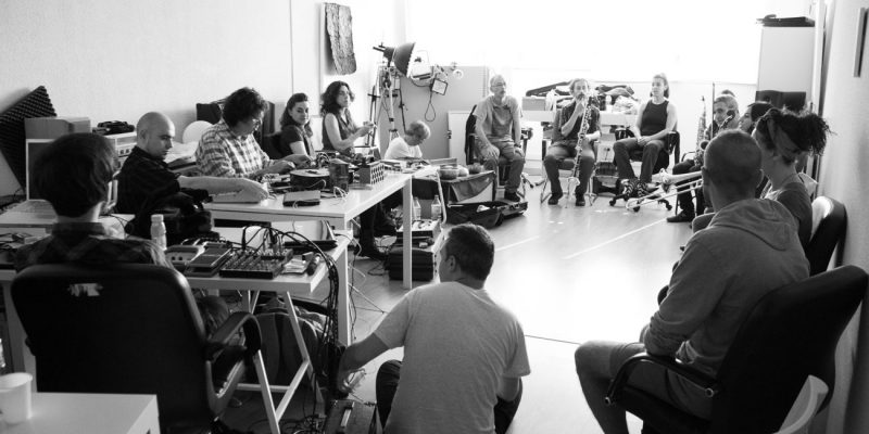 Taller de Improvisación libre con Seijiro Murayama. Hybridart 2011